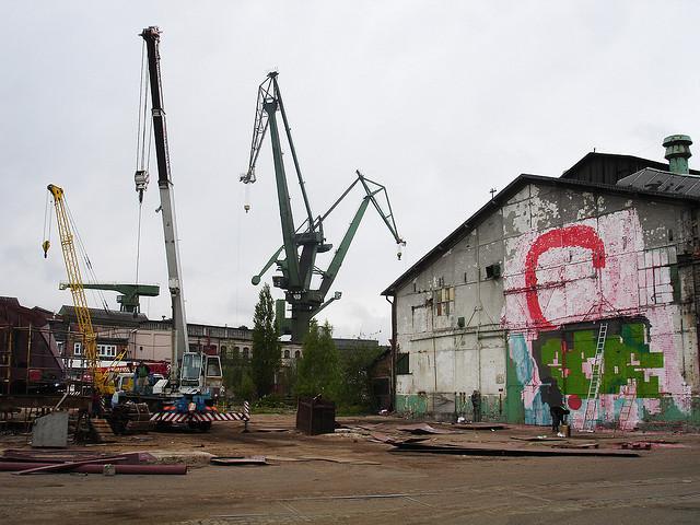 Graffest_cranes