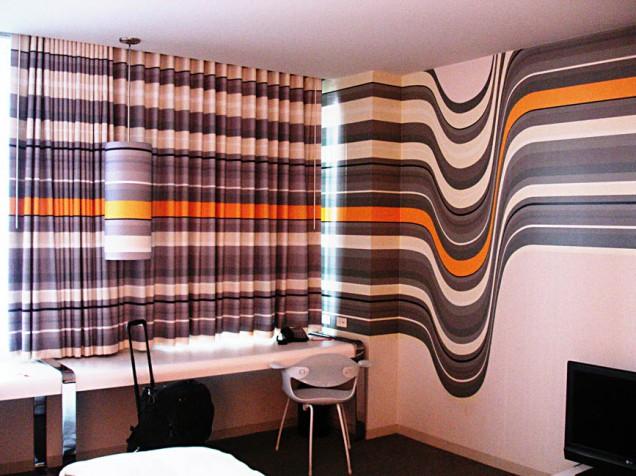 la-standard-room.jpg